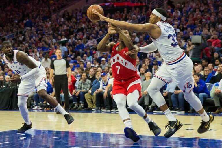 Απίθανη φάση στο NBA! Χτύπησε τον εαυτό του και φώναζε για φάουλ – video