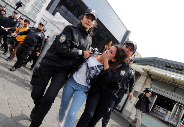 Τουρκία: 141 φορές ισόβια σε 17 κατηγορούμενους για το πραξικόπημα!