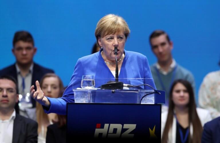 Μέρκελ για Αυστρία: Αντισταθείτε στους πολιτικούς που θέλουν να καταστρέψουν την Ευρώπη!