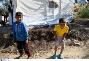 Έρευνα: Διχασμένοι οι Έλληνες για το προσφυγικό – Συμπόνια αλλά και ισλαμοφοβία