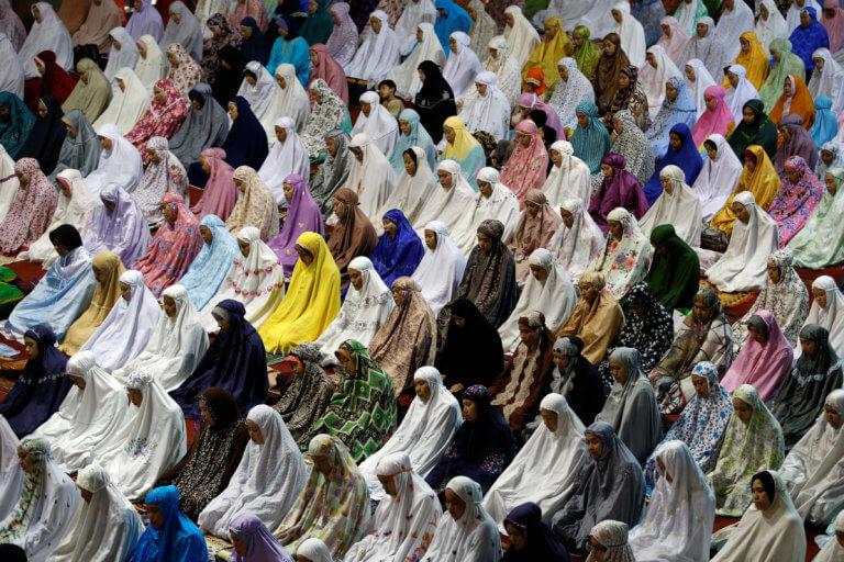 Η Αυστρία απαγορεύει την ισλαμική μαντίλα στα δημοτικά σχολεία