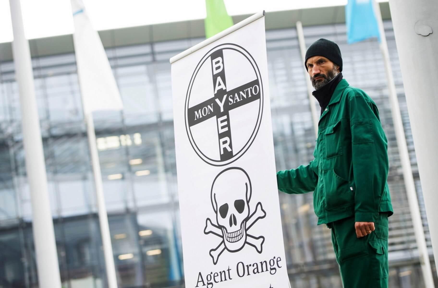 Νέες αποκαλύψεις για τη Monsanto! Φακέλωνε εκατοντάδες πρόσωπα σε επτά ευρωπαϊκές χώρες