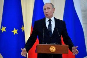 Πούτιν: Πυρ και μανία με δημοσκοπήσεις που δείχνουν πτώση της δημοτικότητάς του!