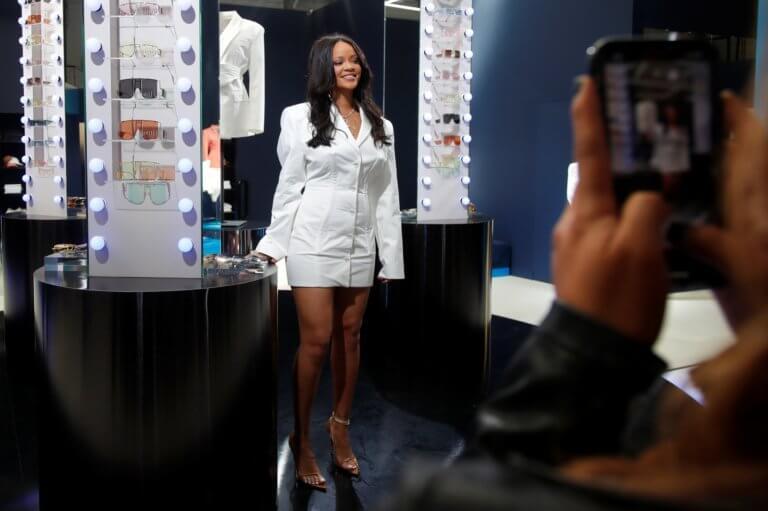 Rihanna: Μετακόμισε στο Λονδίνο – «Λατρεύω να πηγαίνω στο… μανάβικο»!