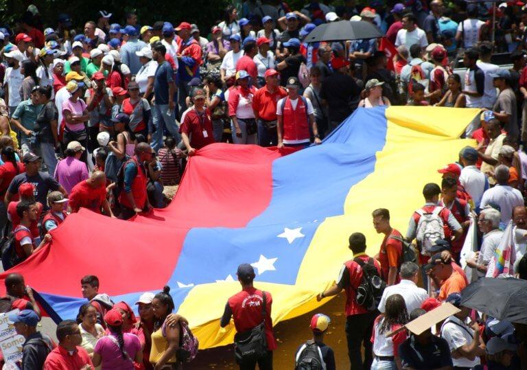 Λαβρόφ – Πομπέο θα συναντηθούν για τη Βενεζουέλα στο… χωριό του Άι Βασίλη!