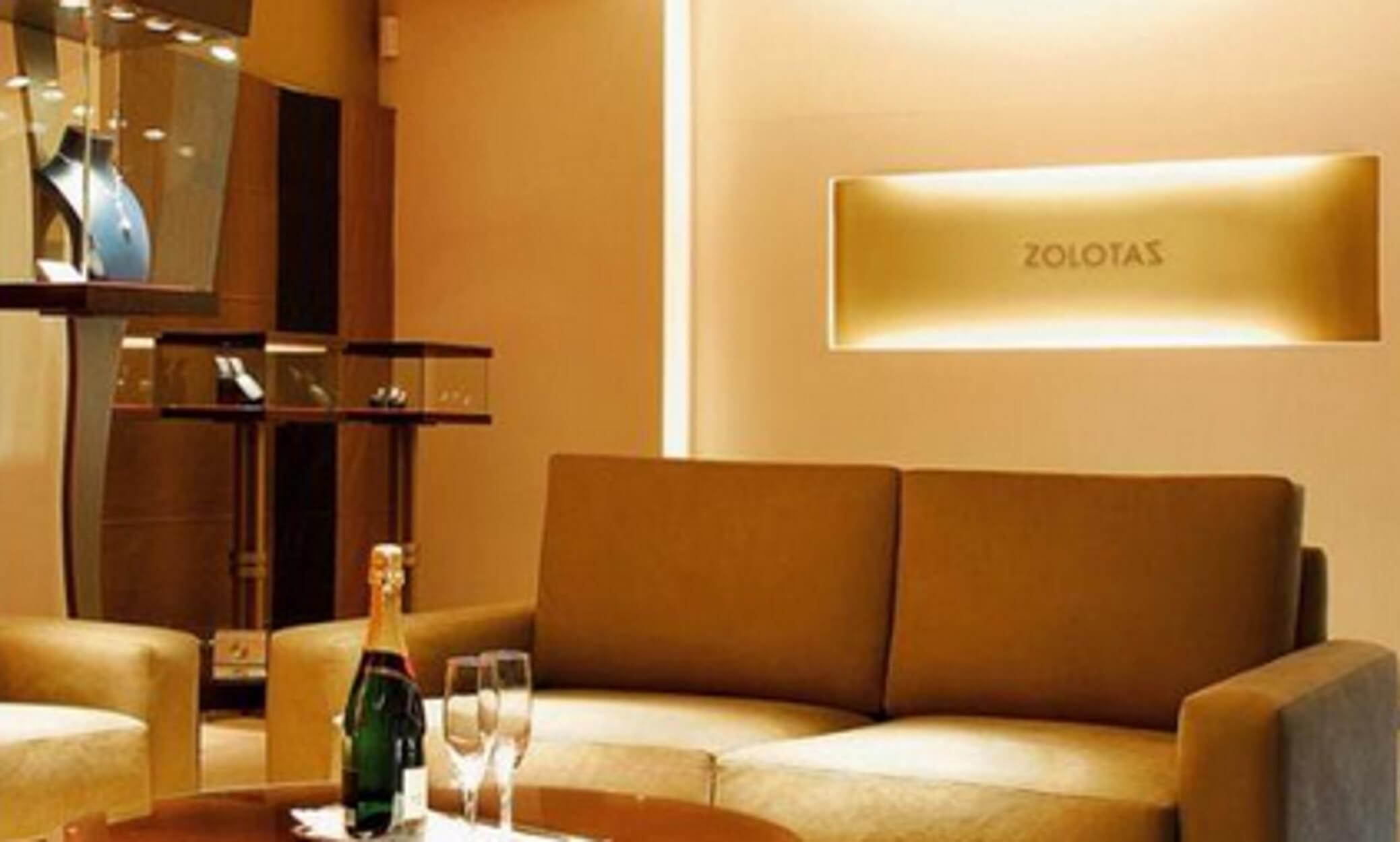 Ζολώτας: Ο Έλληνας κοσμηματοπώλης του παγκόσμιου τζετ – σετ!