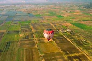 Κάμπος Κωπαΐδας: Ένα αερόστατο και ένα drone συναντιούνται πάνω από την Ακρόπολη του Γλα – Μοναδικές εικόνες