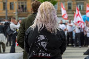 Γερμανία: Χιλιάδες ακροδεξιοί είναι διατεθειμένοι να καταφύγουν στη βία