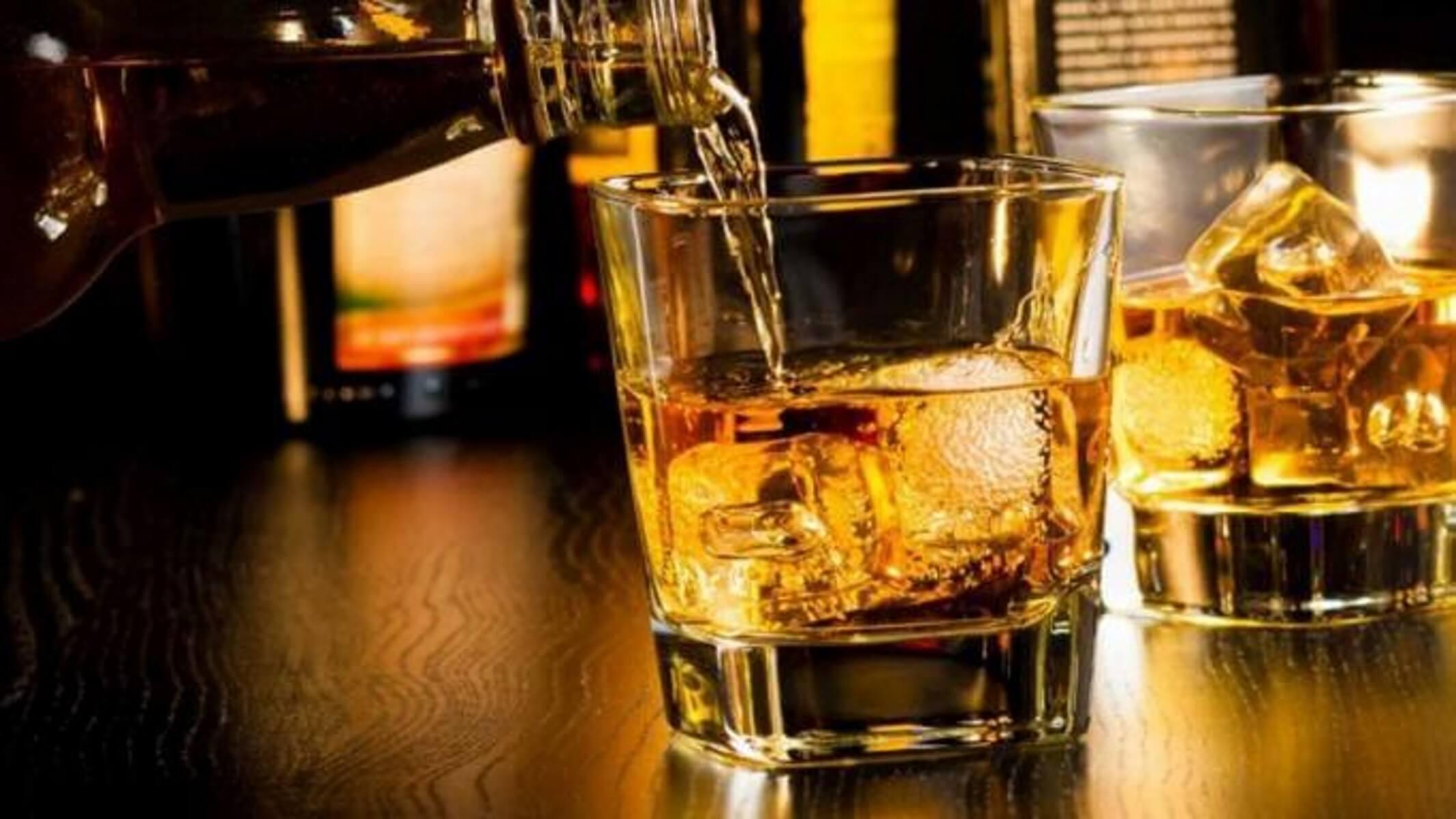 Παράταση δυο μηνών στην καταβολή ΦΠΑ για αλκοολούχα ποτά