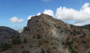 Ανάβατος Χίου: Ο Μυστράς του Αιγαίου – Το χωριό που έχει έναν μόνιμο κάτοικο