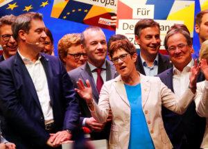 Γερμανία: Η Άνεγκρετ Κραμπ – Καρενμπάουερ δεν θα αναλάβει την καγκελαρία πριν από το 2021