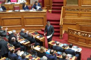 Τσίπρας: Δεν… έπεισε την αντιπολίτευση! Ομοβροντία ανακοινώσεων