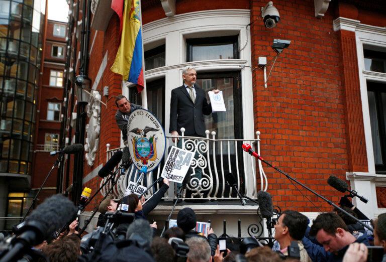 Τζούλιαν Ασάνζ: Φυλάκιση 50 εβδομάδων – Αύριο η απόφαση αν θα εκδοθεί στις ΗΠΑ