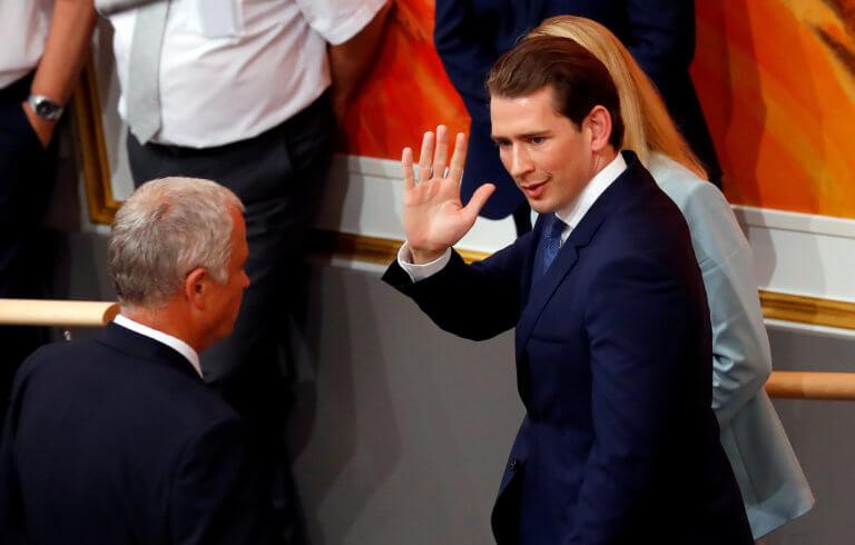 Αυστρία: Και με προεδρική «βούλα» η καθαίρεση του Κουρτς