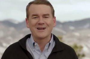 Στην κούρσα για τον Λευκό Οίκο και ο Μάικλ Μπένετ – Έφτασαν τους 21 οι υποψήφιοι των Δημοκρατικών
