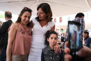 Η Μπέτυ Μπαζιάνα με… παιδικά χαμόγελα στην γιορτή της μητέρας!