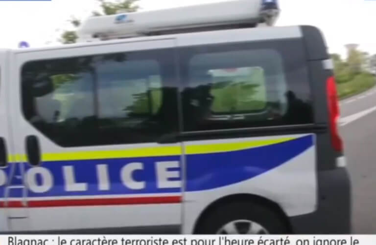 Γαλλία: Ένοπλος κρατά ομήρους σε κατάστημα στην Μπλανιάκ – video