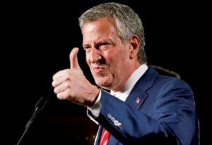 Υποψήφιος για το χρίσμα των Δημοκρατικών και ο Μπιλ Ντε Μπλάζιο