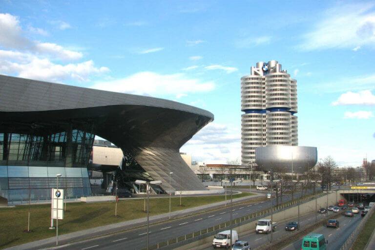 Σημαντική συρρίκνωση κερδών ανακοίνωσε η BMW