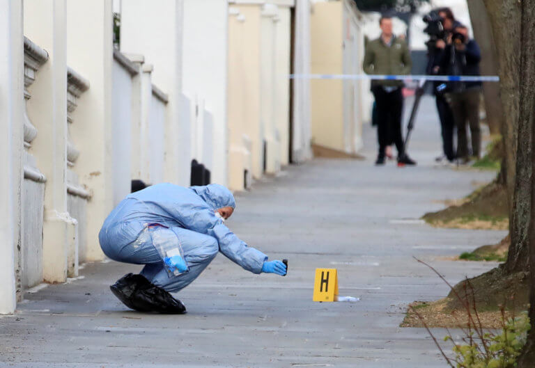 Υπόθεση μυστήριο στο Λονδίνο – Βρήκαν δυο πτώματα σε καταψύκτη διαμερίσματος