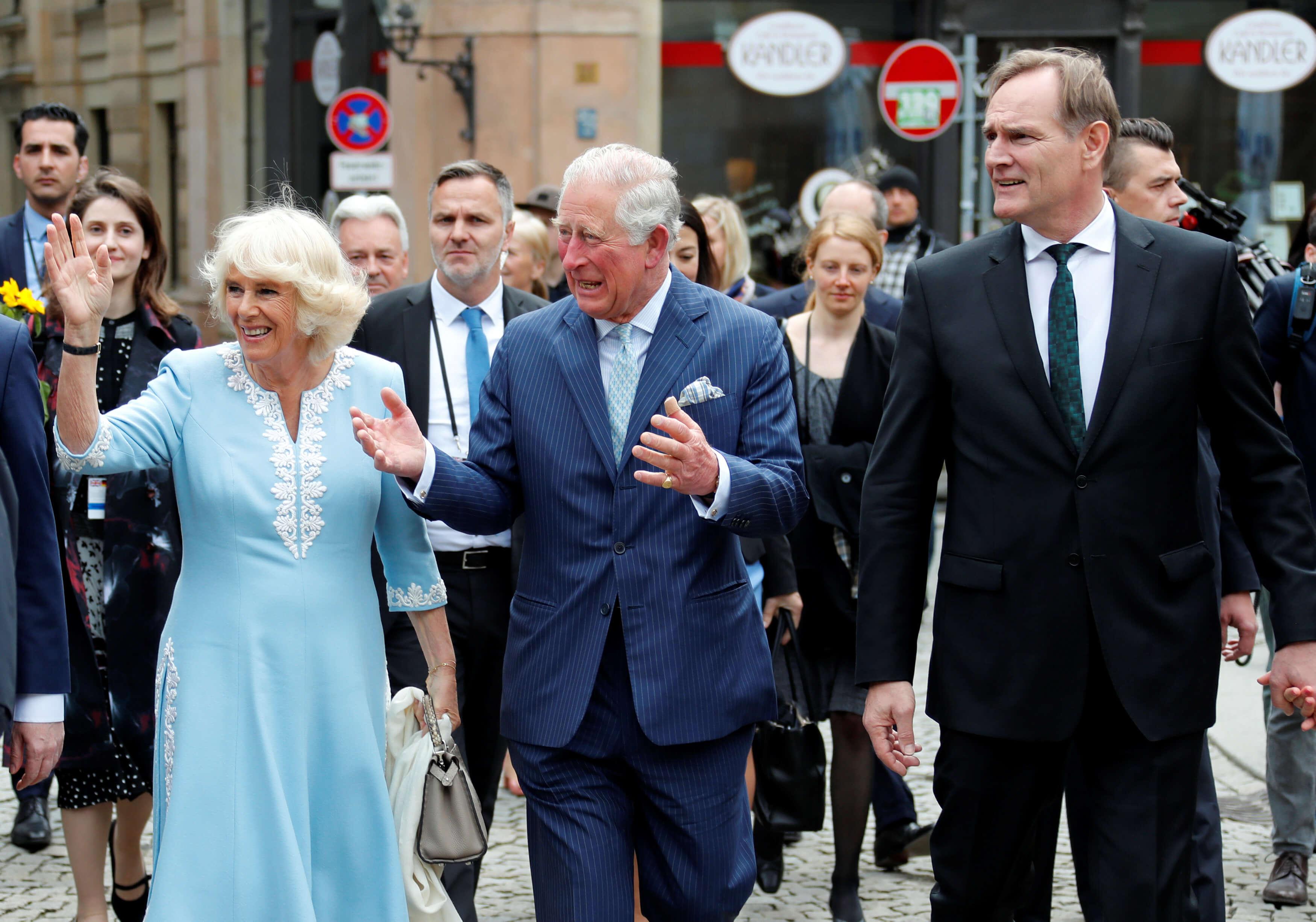 Ο Κάρολος και η Καμίλα δεν είχαν δει φωτογραφία του μωρού της Μέγκαν και του Χάρι!