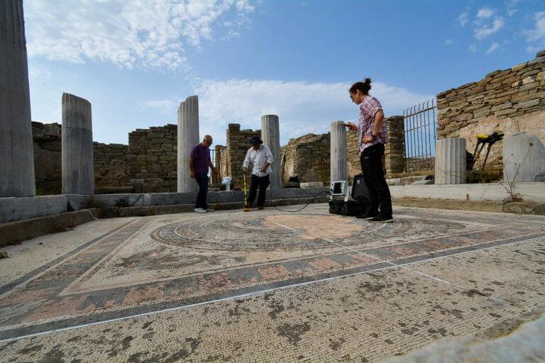 Δήλος: Έκλεισε το αναψυκτήριο του αρχαιολογικού χώρου – Δωρεάν εμφιαλωμένο νερό στους τουρίστες!