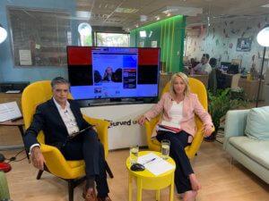 Η Ρένα Δούρου στο newsit.gr