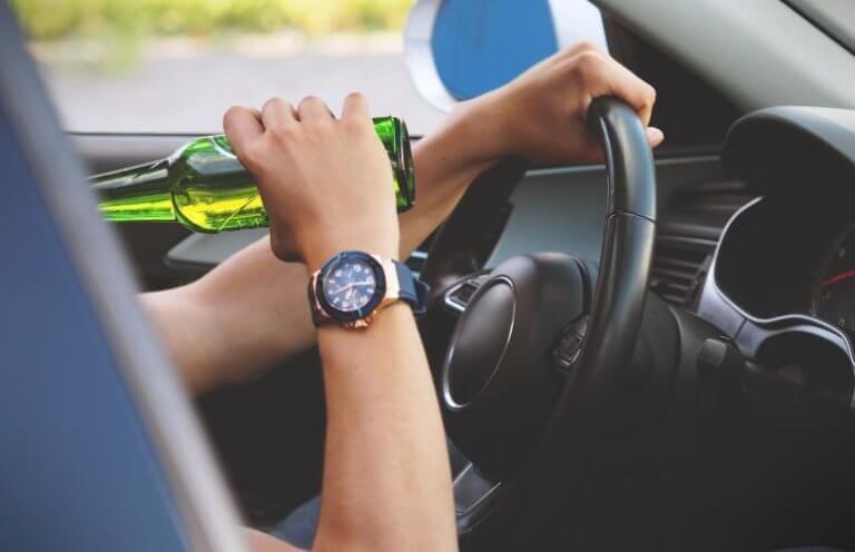 Απίστευτη και μακάβρια τιμωρία για όσους συλλαμβάνονται να οδηγούν μεθυσμένοι