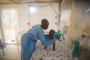 Πάνω από 1000 νεκροί από τον ιό του Έμπολα στο Κονγκό