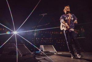 Ed Sheeran: Διπλασίασε την περιουσία του και γίνεται πλουσιότερος από την Αντέλ!