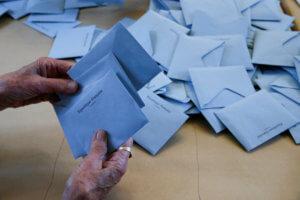 Exit poll: Αυτές είναι οι έδρες που παίρνουν τα κόμματα!
