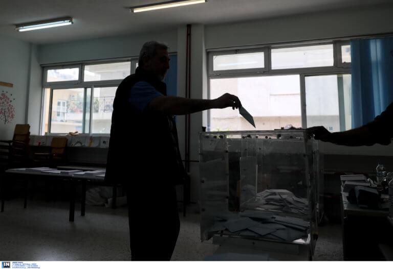 Δημοσκόπηση: Προβάδισμα 18 μονάδων για ΝΔ – Έντονη η ανησυχία των πολιτών για κορονοϊό και Τουρκία