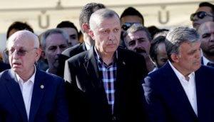 Τουρκία: Γκιουλ και Νταβούτογλου διαφωνούν με την ακύρωση των εκλογών στην Κωνσταντινούπολη