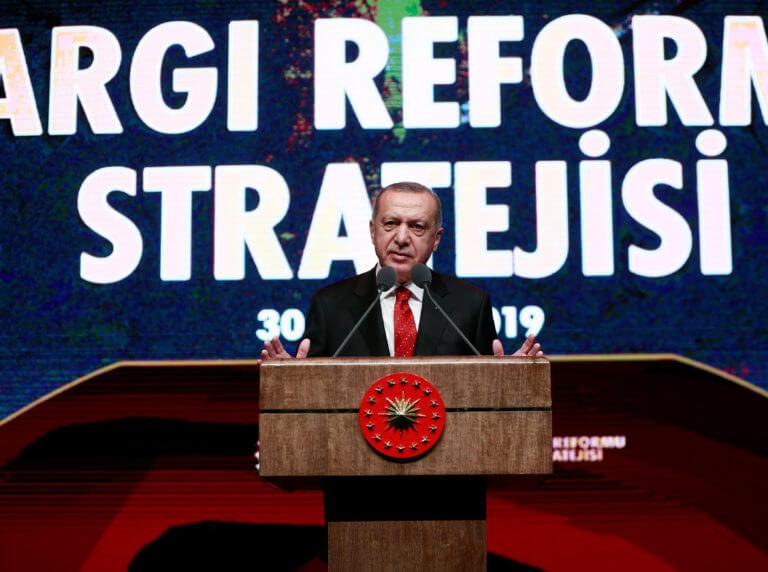 Ερντογάν: «Εμείς θέλουμε να μπούμε στην ΕΕ» λέει και… επιτίθεται στην ΕΕ!