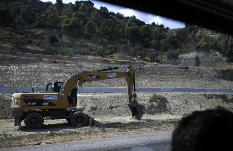 «Καταπέλτης» η PwC για την Ελλάδα – «Στα 25 δισ. ευρώ τα ανεκτέλεστα έργα»
