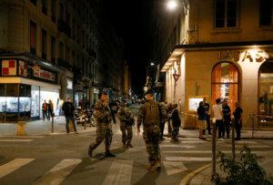 Γαλλία: Δυο νέες φωτογραφίες του υπόπτου για την έκρηξη στη Λιόν έδωσε η αστυνομία [pics]
