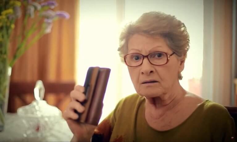 """Εκλογές 2019: Τσαντισμένη με Μητσοτάκη η… γιαγιά του Τσίπρα! """"Εντάξει Κυριάκο""""; video"""