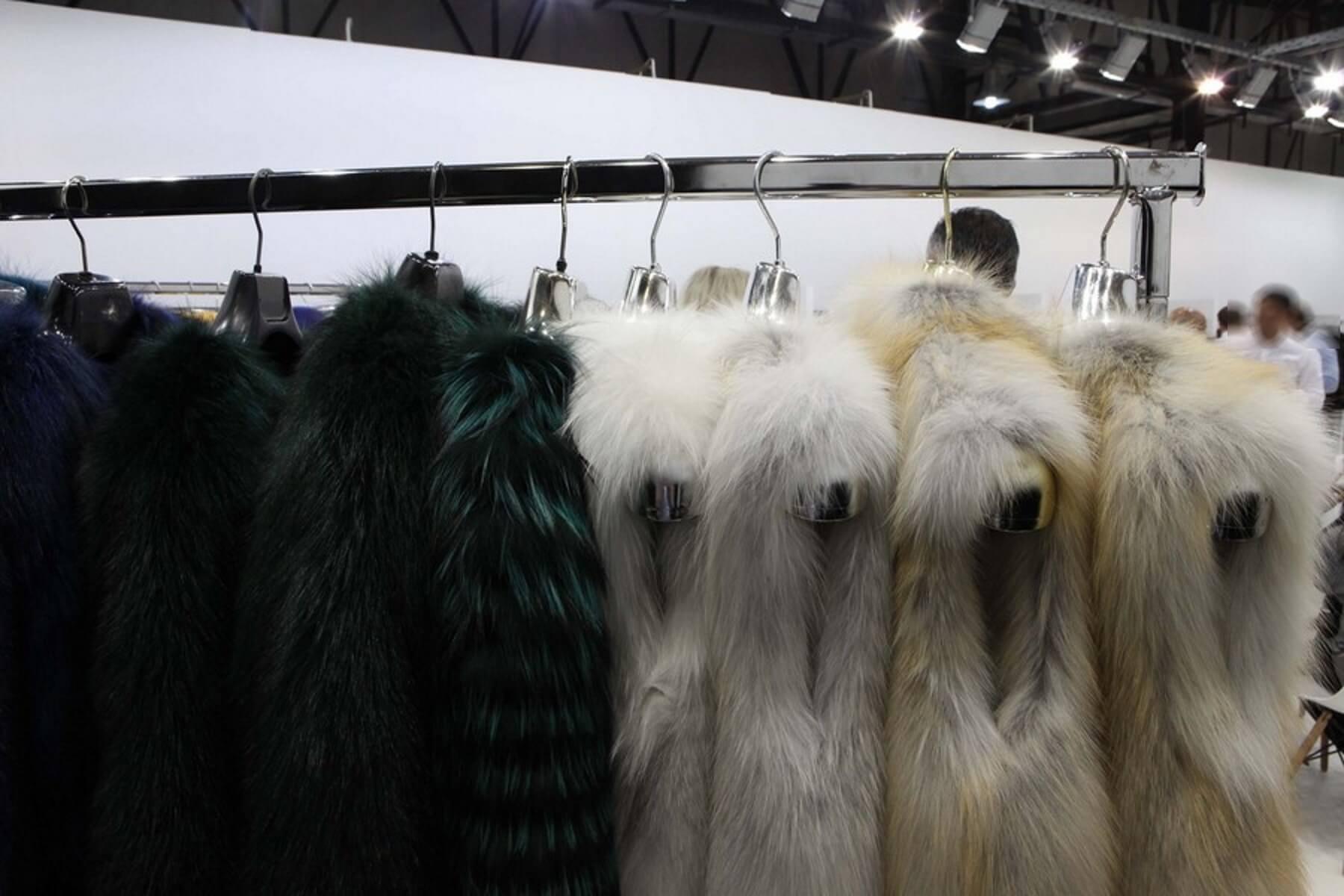 Τέλος οι ζωϊκές γούνες για τους οίκους μόδας Saint Laurent και Brioni