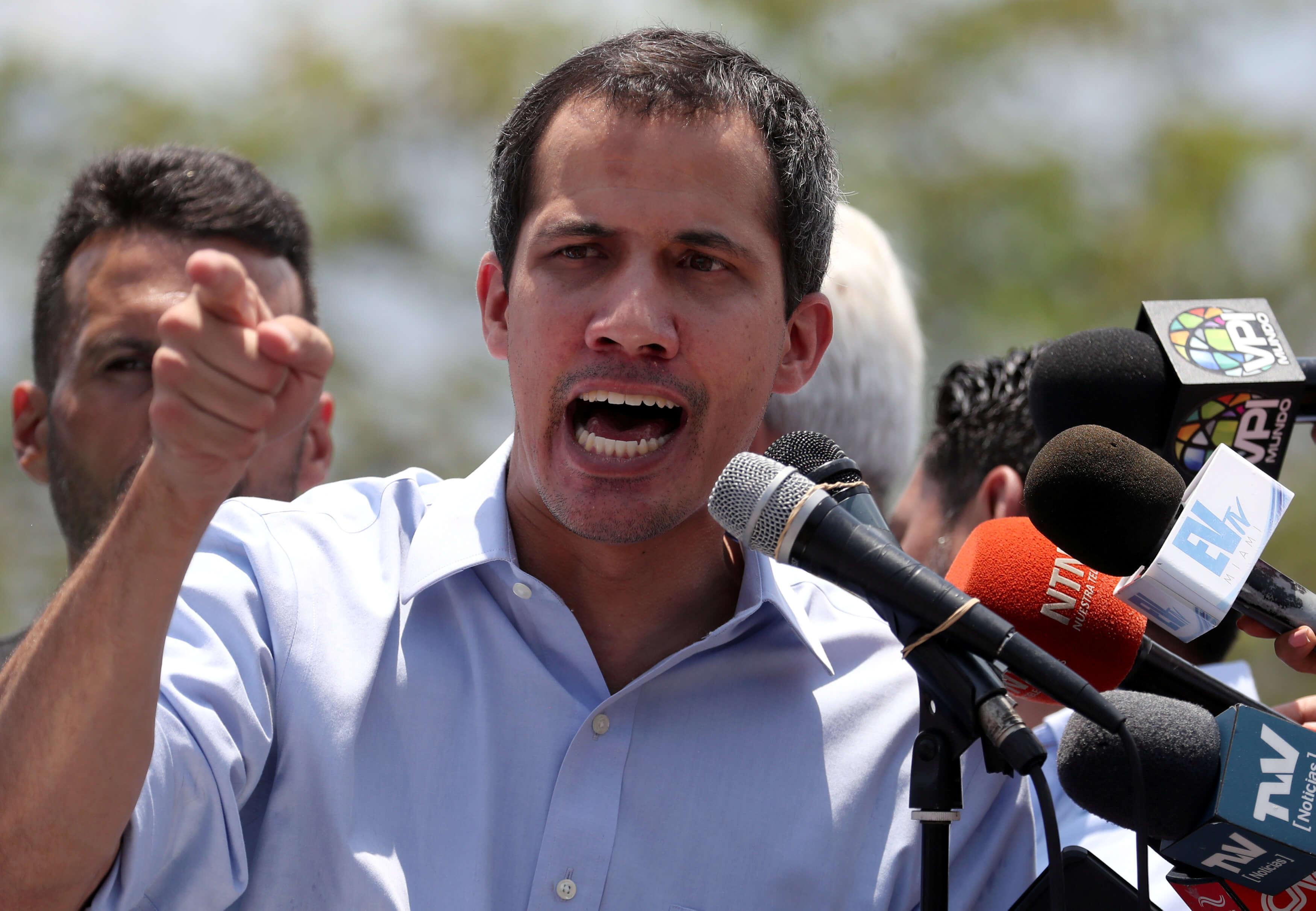 Βενεζουέλα: Εισαγγελική έρευνα κατά του Γκουαϊδό