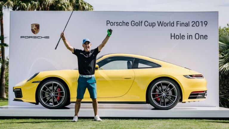 Kέρδισε μια Porsche 911 με μια βολή στο γκολφ! [pics]