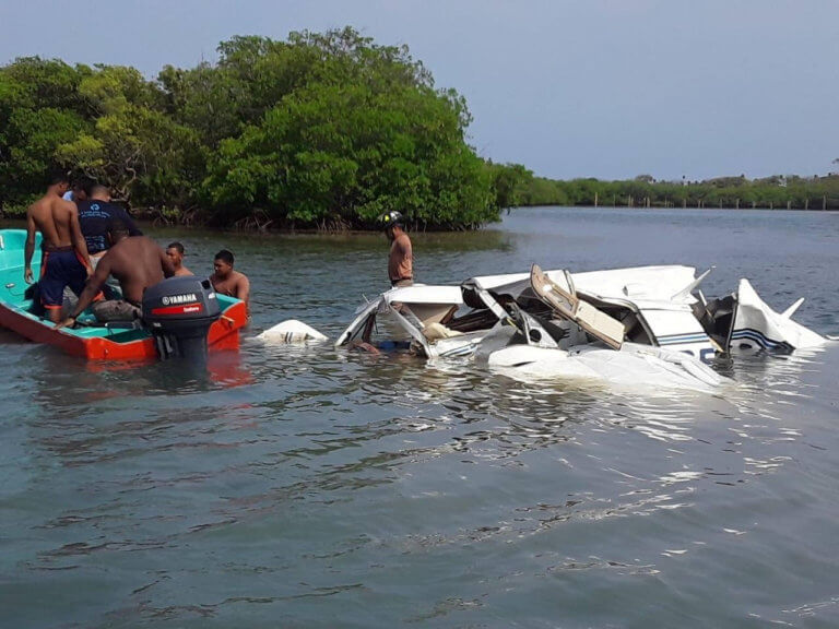 Συντριβή αεροσκάφους στην Ονδούρα – Νεκροί χειριστής και επιβαίνοντες [pics]