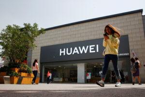 Εμπορικός πόλεμος: Η Huawei προσέφυγε στη δικαιοσύνη των ΗΠΑ για τις κυρώσεις