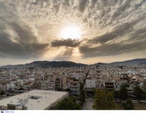 Καιρός: Στα ύψη ο υδράργυρος – Δεν θα λείψουν και σήμερα οι βροχές