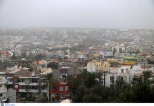 Καιρός: Στα ύψη ο υδράργυρος – Αποπνικτική η ατμόσφαιρα από την αφρικανική σκόνη