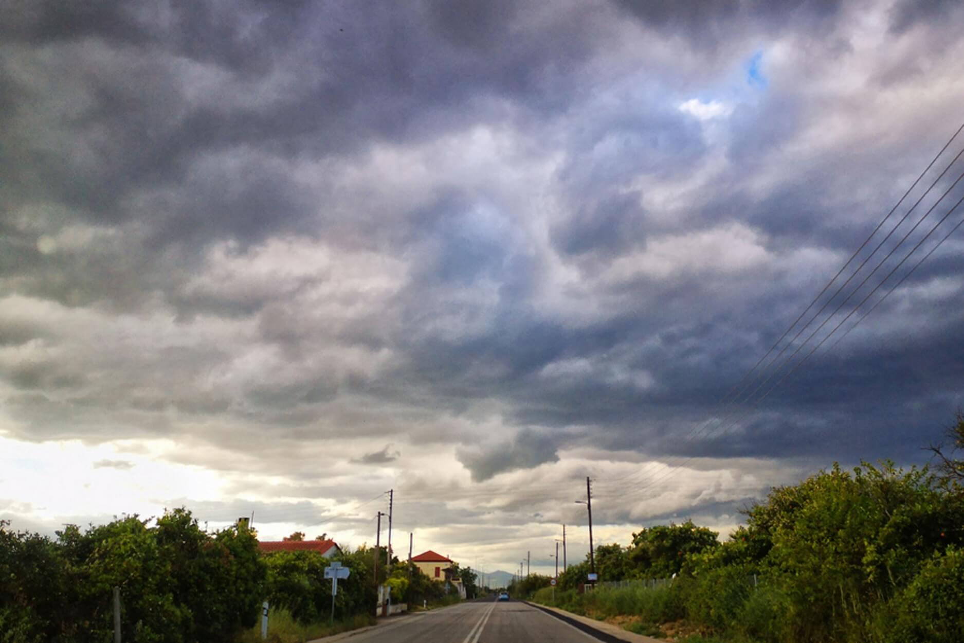 Καλοκαίρι αλλά και βροχές - Δείτε σε ποιές περιοχές θα βρέξει!