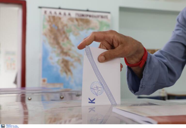 Αποτελέσματα εκλογών: Σε ποιες εκλογικές περιφέρειες κερδίζουν και σε ποιες χάνουν ΣΥΡΙΖΑ και ΝΔ