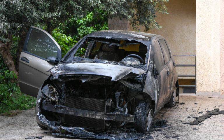 Ανάληψη ευθύνης για τον εμπρησμό του αυτοκινήτου της Μίνας Καραμήτρου