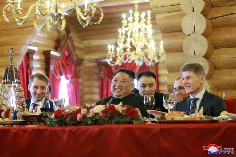 Βόρεια Κορέα – Κιμ: Με το… σταγονόμετρο μοιράζουν τα τρόφιμα στο λαό!
