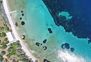 Το περίεργο νησί «κιθάρα» που ερωτεύτηκαν οι Μπιτλς, μόλις μια ώρα από την Αθήνα