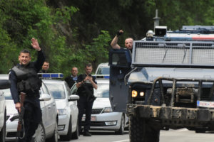 Κόσοβο: Αποχωρούν οι ειδικές δυνάμεις από τα βόρεια της χώρας – 28 συλλήψεις [pics]